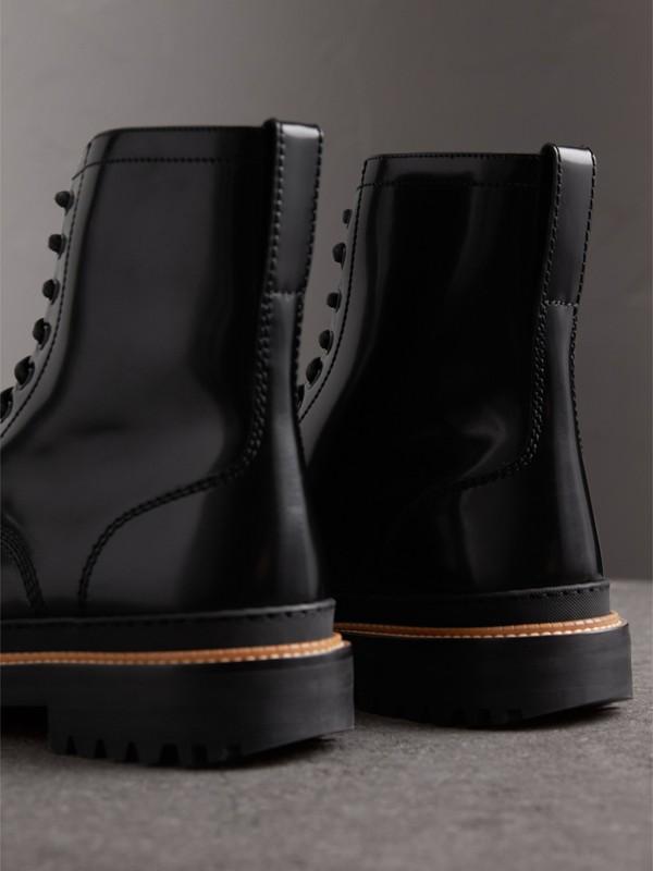 Botas de couro polido com cadarço (Preto) - Homens | Burberry - cell image 3