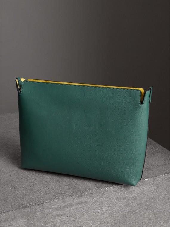 Grand clutch en cuir tricolore (Noir/vert Marin)   Burberry Canada - cell image 3