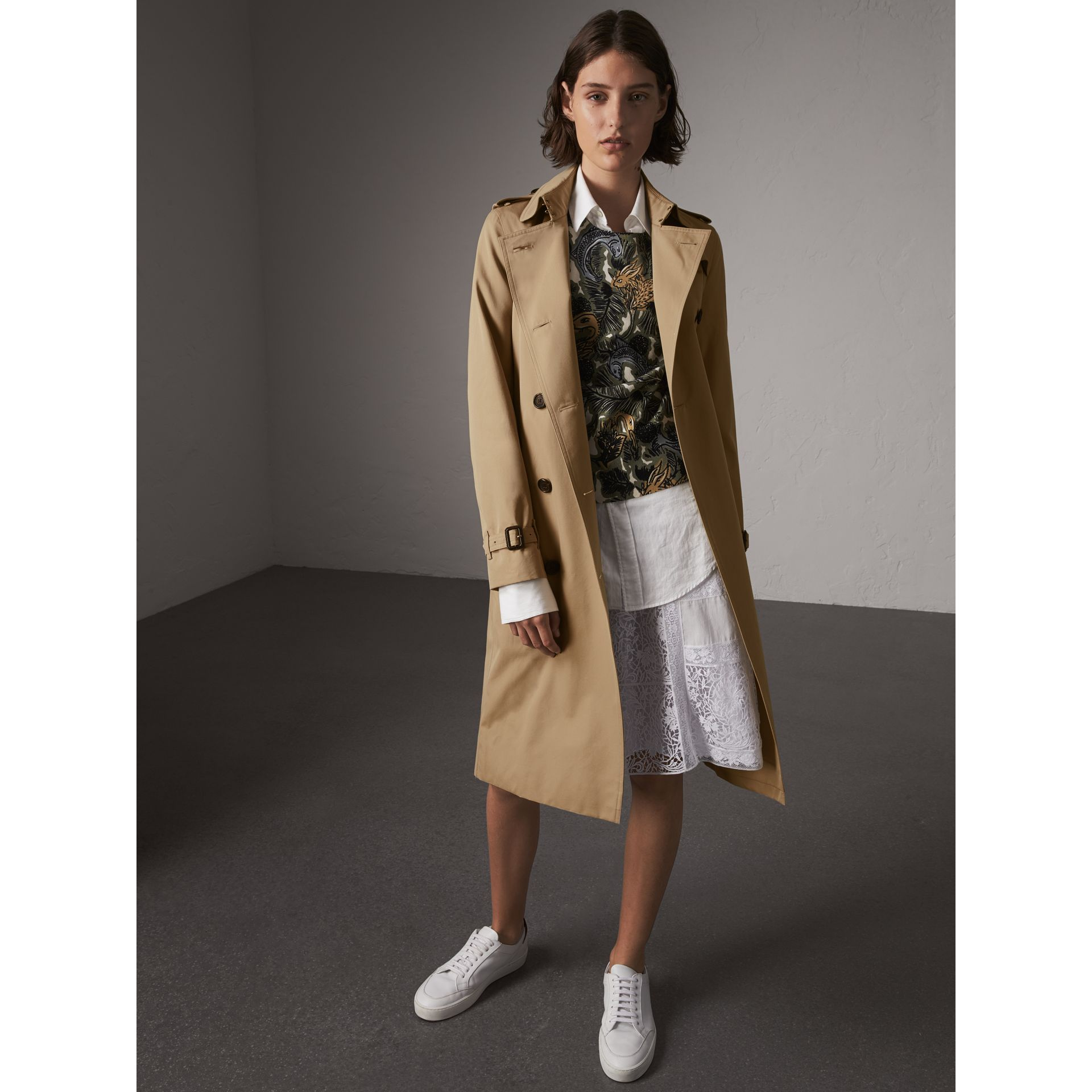 The Kensington – Extra-long Trench Coat in Honey - Women | Burberry Australia - gallery image 1