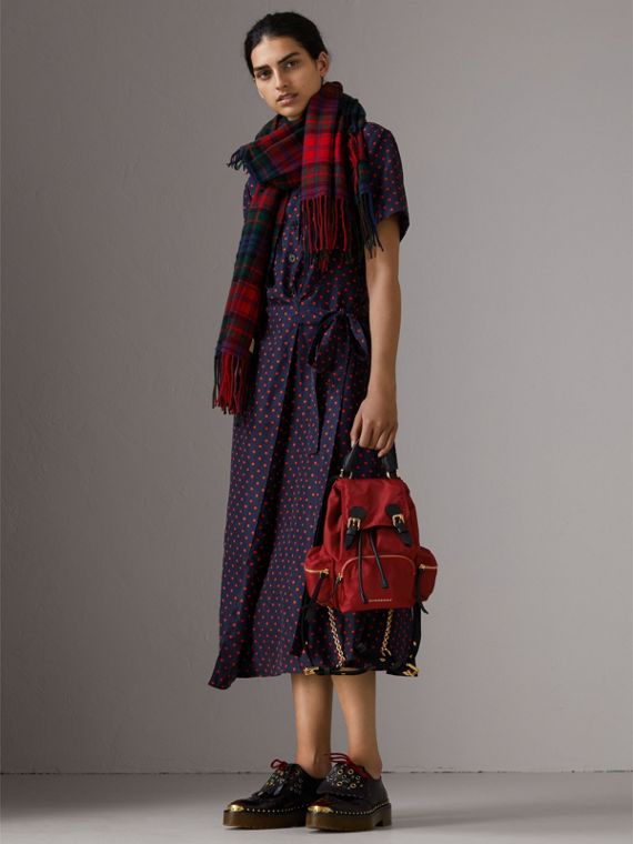 Zaino The Rucksack piccolo in nylon tecnico e pelle (Rosso Parata) - Donna | Burberry - cell image 2