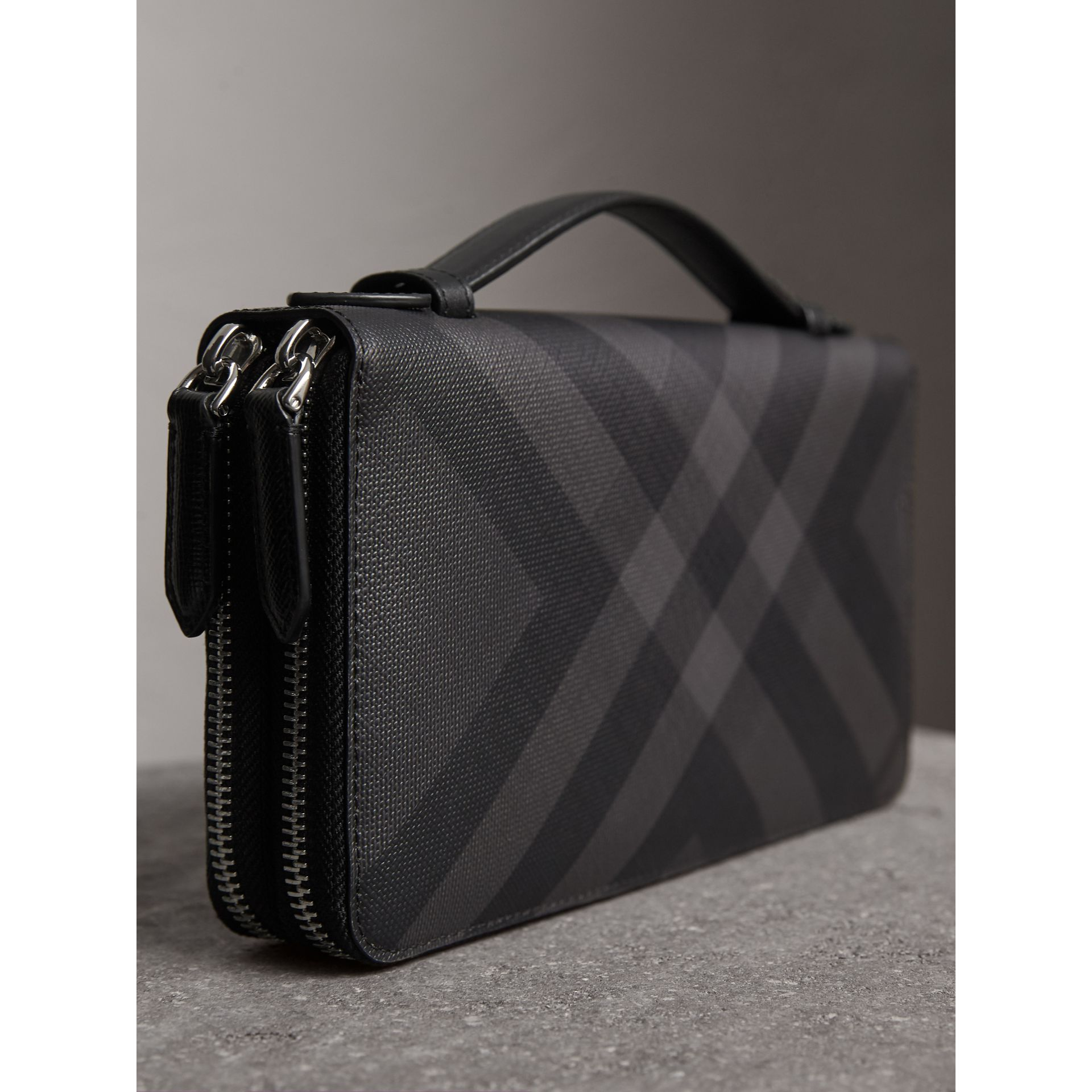 London Check Travel Wallet in Charcoal/black - Men | Burberry - gallery image 2