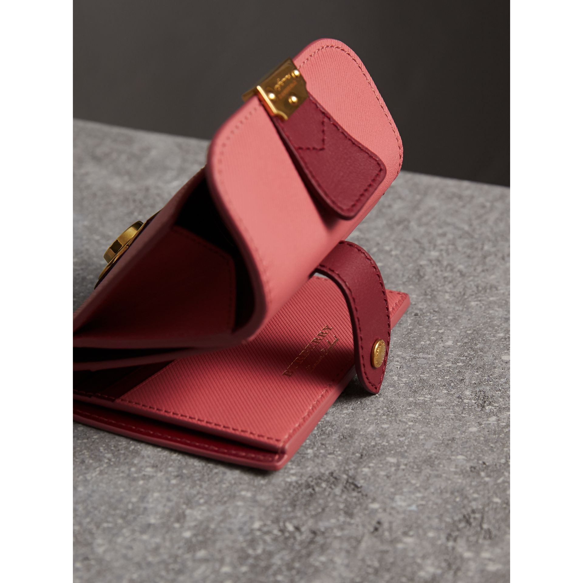 Two-tone Trench Leather Wallet in Blossom Pink/ Antique Red - Women | Burberry - gallery image 3