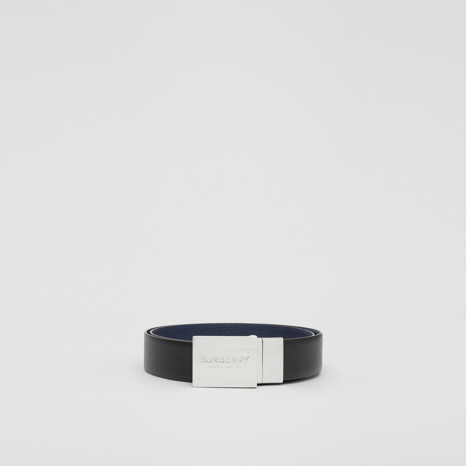 Reversible Plaque Buckle Grainy Leather Belt in Black/navy - Men | Burberry United Kingdom - gallery image 3
