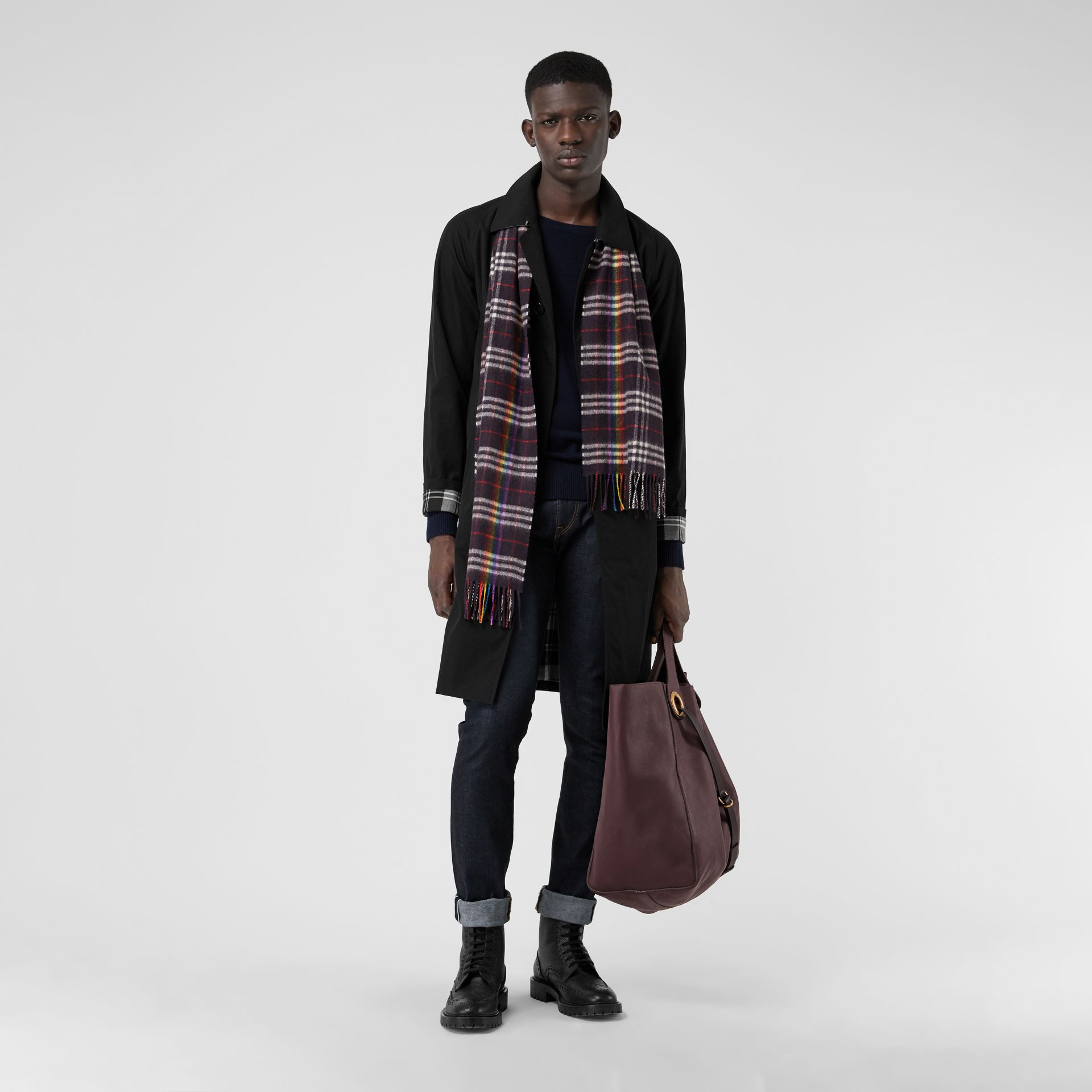 The Classic Rainbow Check Cashmere Scarf in Navy/rainbow | Burberry Australia - gallery image 3