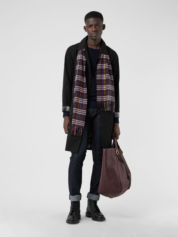 The Classic Rainbow Check Cashmere Scarf in Navy/rainbow | Burberry Australia - cell image 3