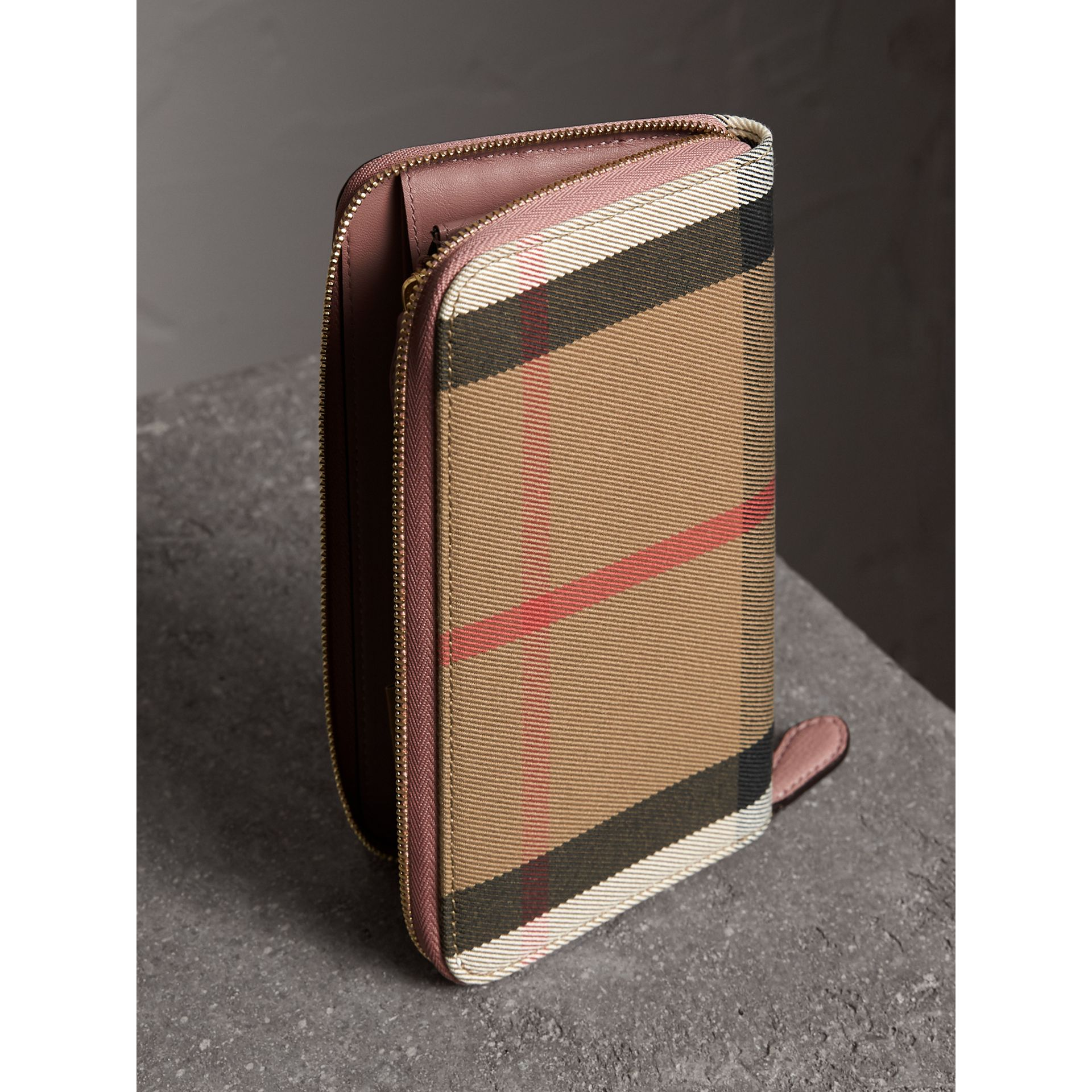 House Check and Leather Ziparound Wallet in Pale Orchid - Women | Burberry United Kingdom - gallery image 3