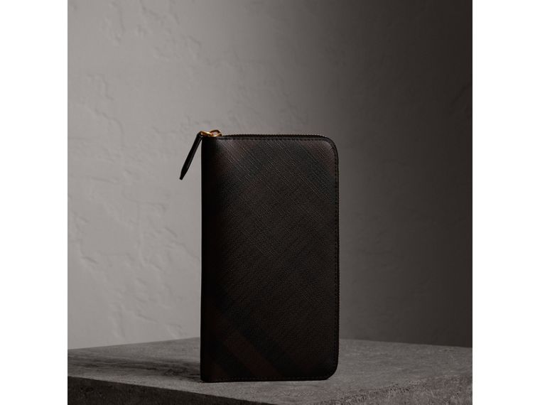London Check Ziparound Wallet in Chocolate/black - Men | Burberry - cell image 4