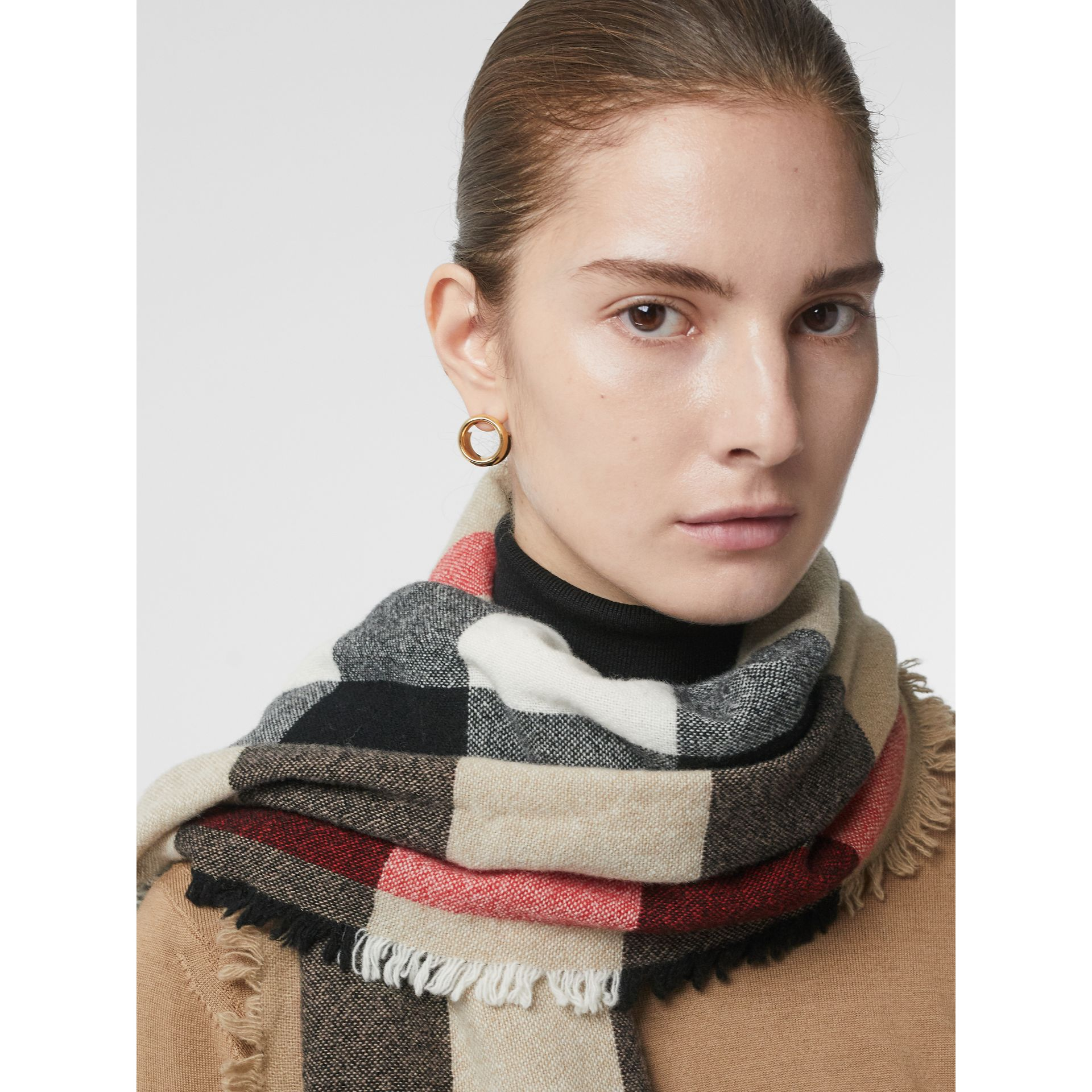 Fringed Check Wool Cashmere Scarf in Camel | Burberry - gallery image 5