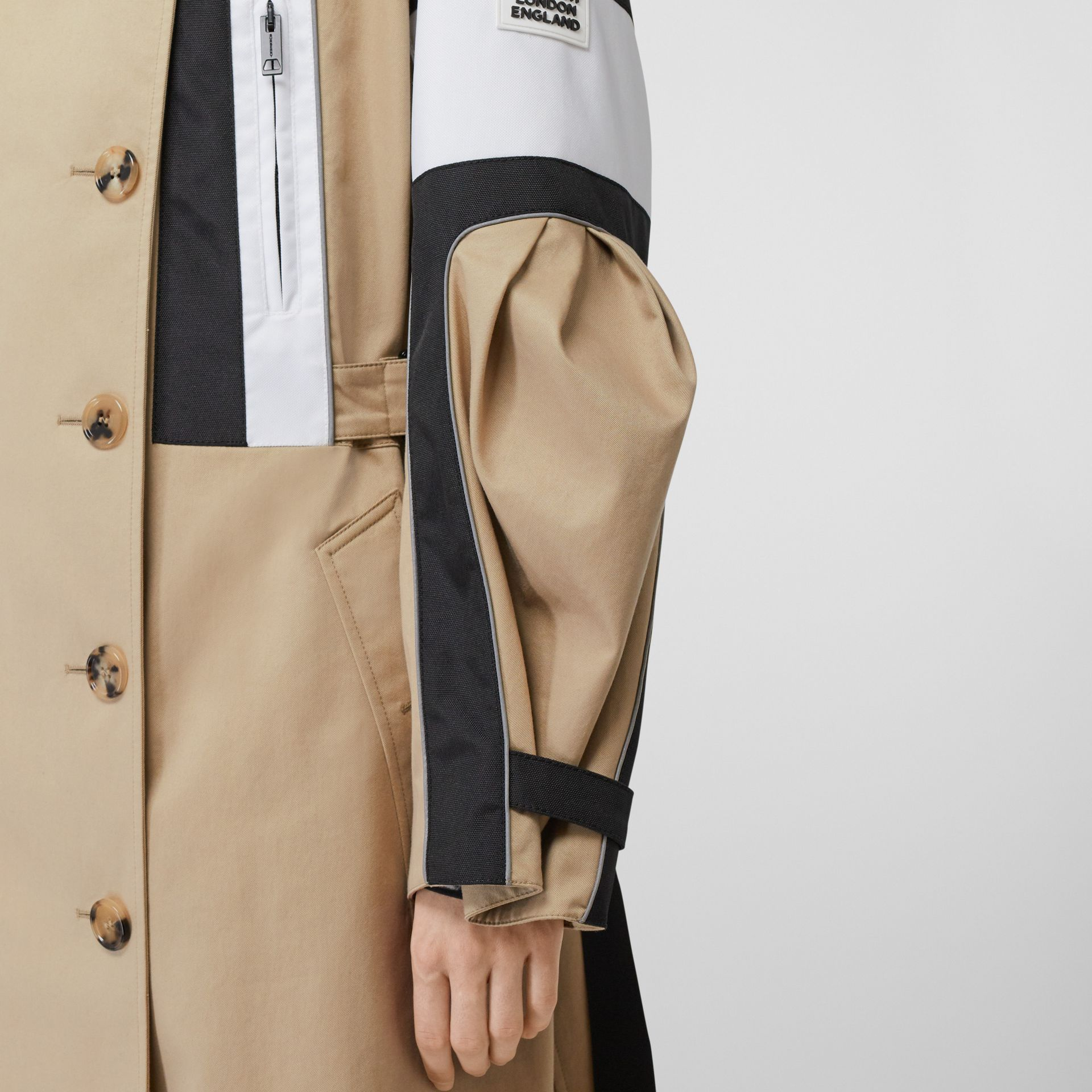 Cotton Gabardine Reconstructed Trench Coat in Soft Fawn - Women | Burberry Australia - gallery image 4