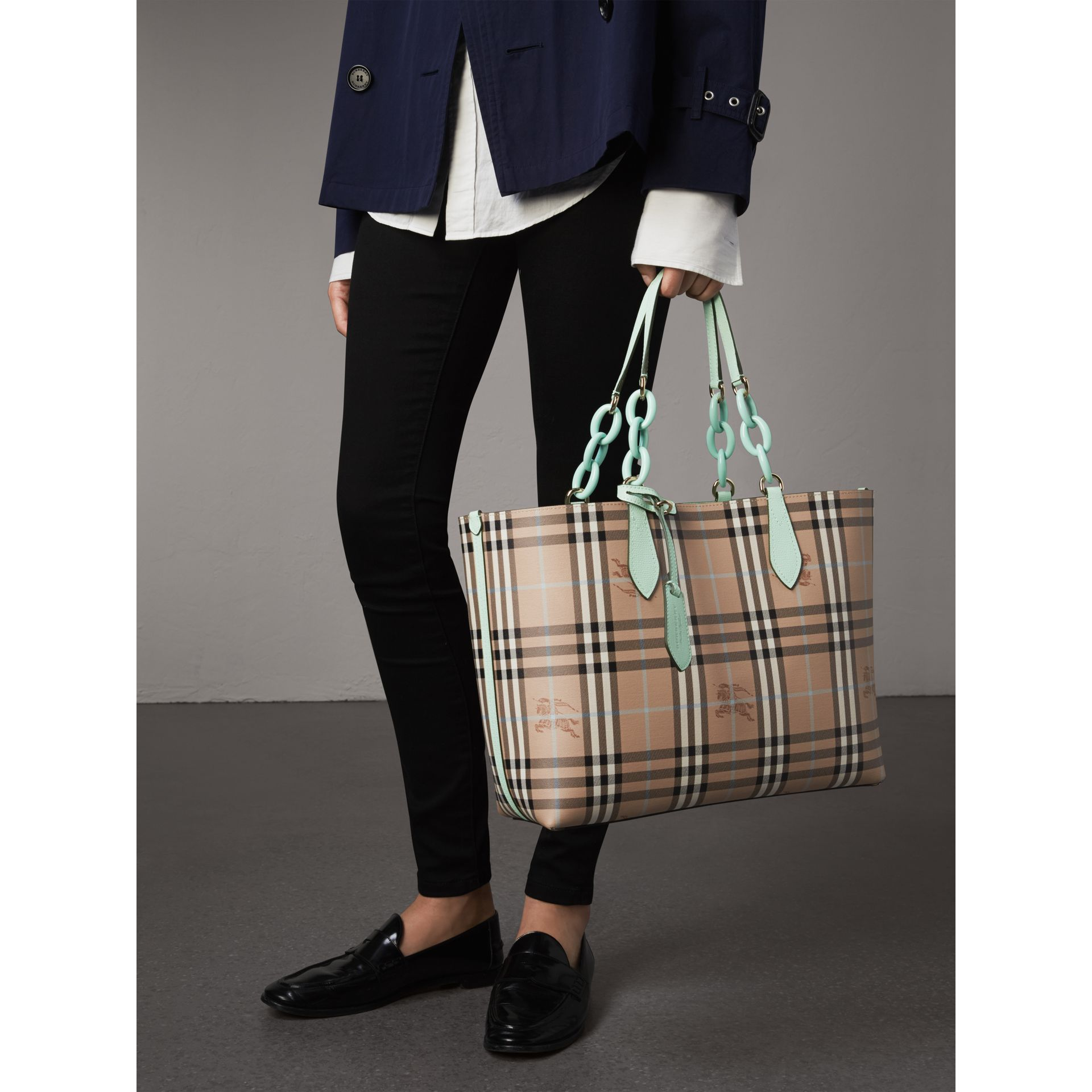 The Medium Reversible Tote with Resin Chain in Pale Opal - Women | Burberry Australia - gallery image 4
