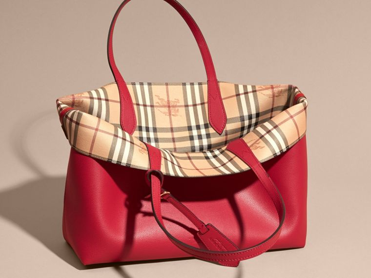 The Medium Reversible Tote in Haymarket Check and Leather Poppy Red - cell image 4