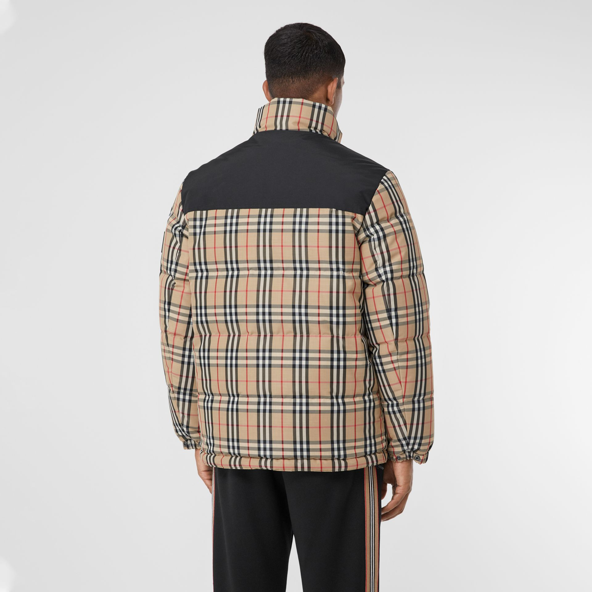 Reversible Vintage Check Recycled Polyester Jacket in Archive Beige - Men | Burberry - gallery image 2