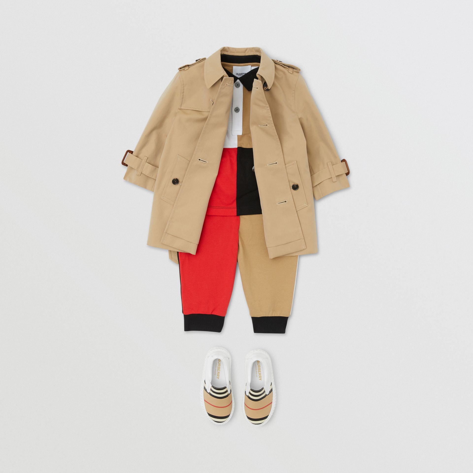 Trench en gabardine de coton (Miel) - Enfant | Burberry - photo de la galerie 3