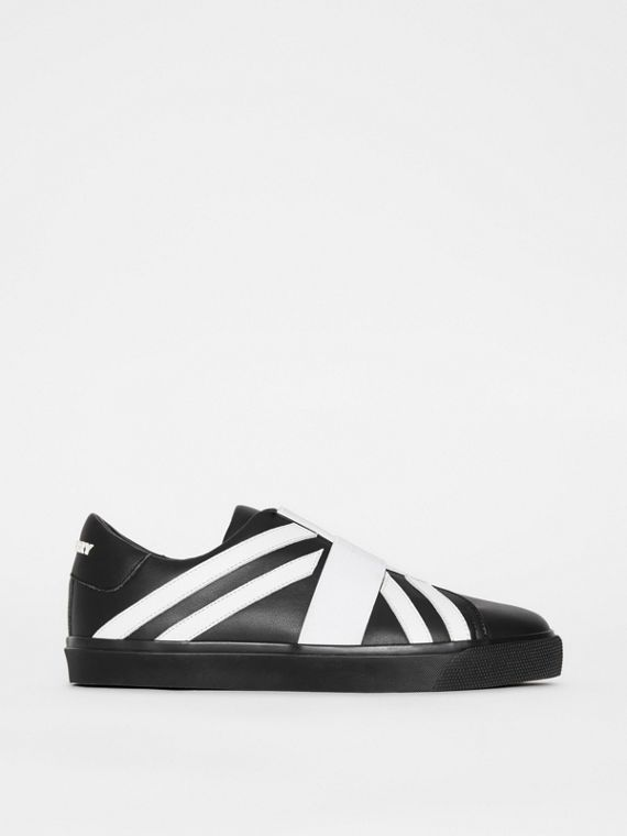 Union Jack Motif Slip-on Sneakers in Black/optic White