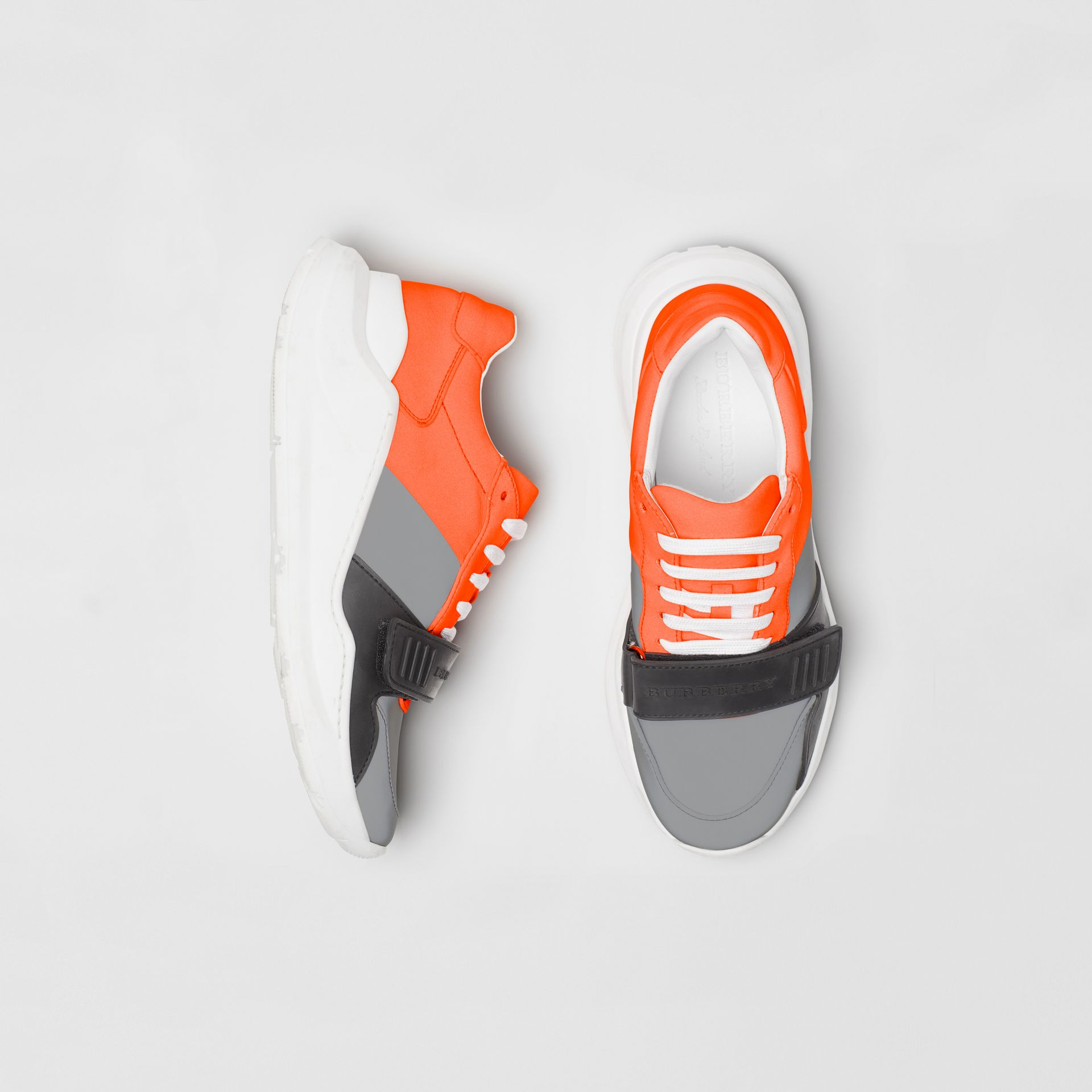 Sneakers color-block (Gris Argent/orange) - Femme | Burberry - photo de la galerie 0