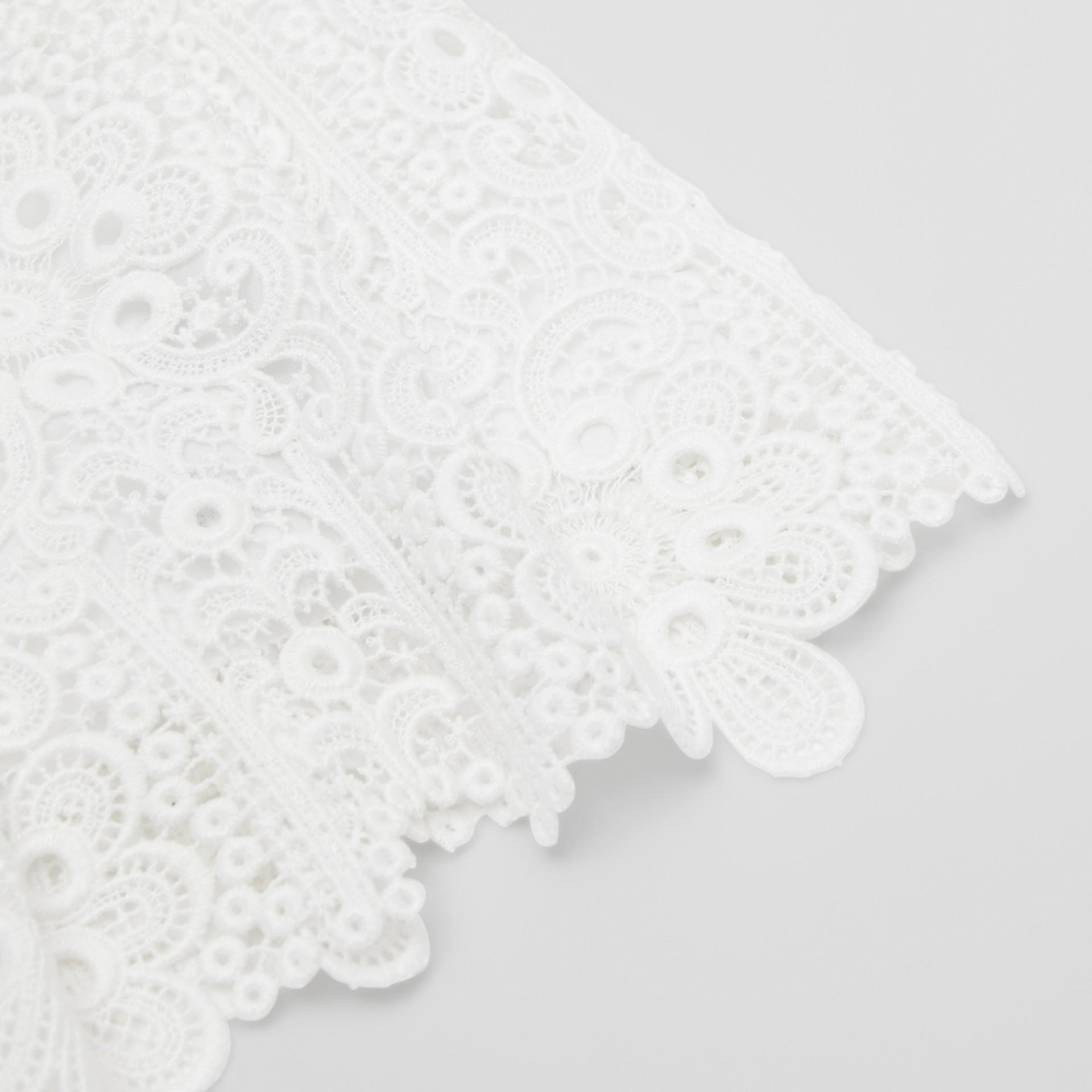 プリーツ マクラメレース スカート (ホワイト) | バーバリー - ギャラリーイメージ 1