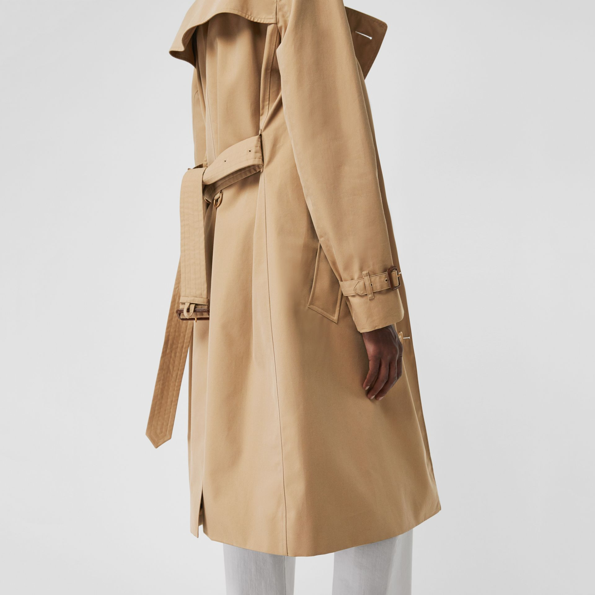 The Long Kensington Heritage Trench Coat in Honey - Women | Burberry United States - gallery image 5