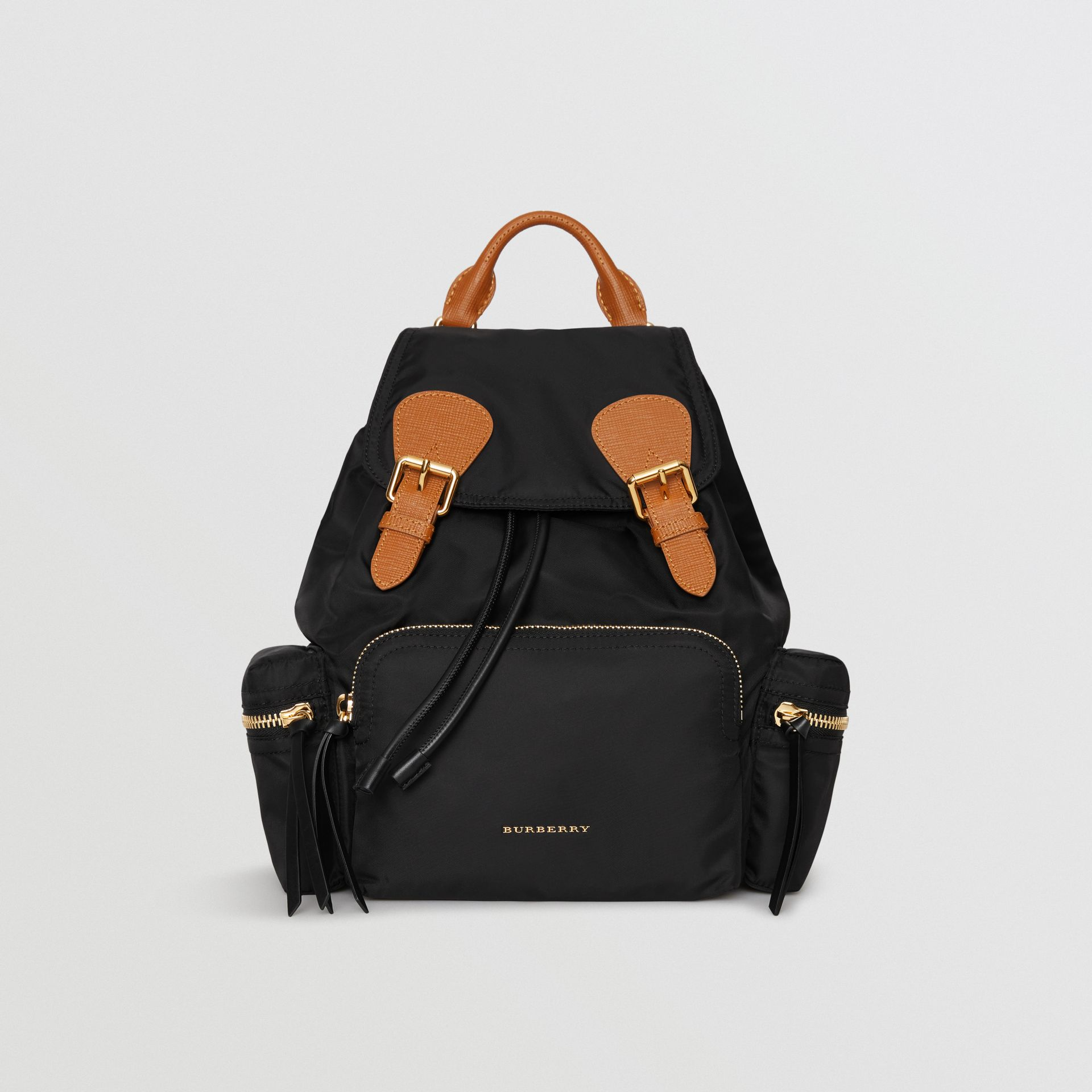 Sac The Rucksack moyen en nylon technique et cuir (Noir) - Femme | Burberry Canada - photo de la galerie 0