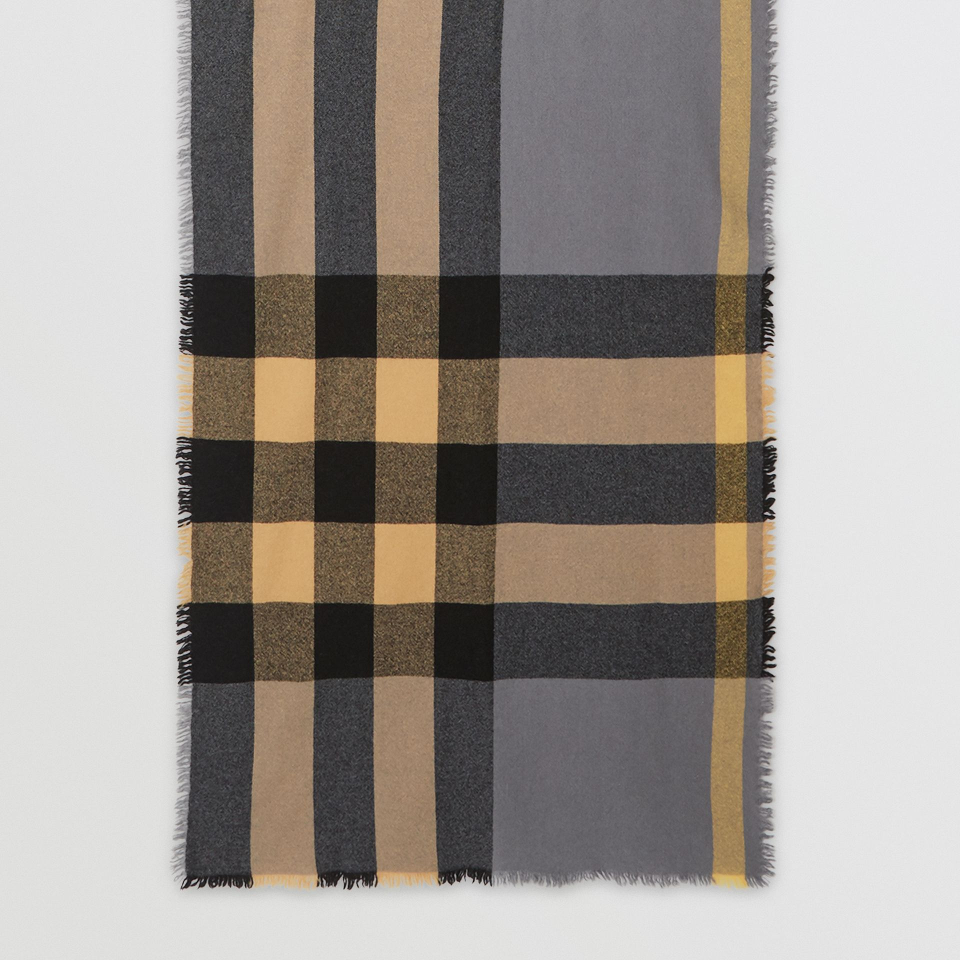 Fringed Check Wool Cashmere Scarf in Pewter Grey | Burberry - gallery image 4