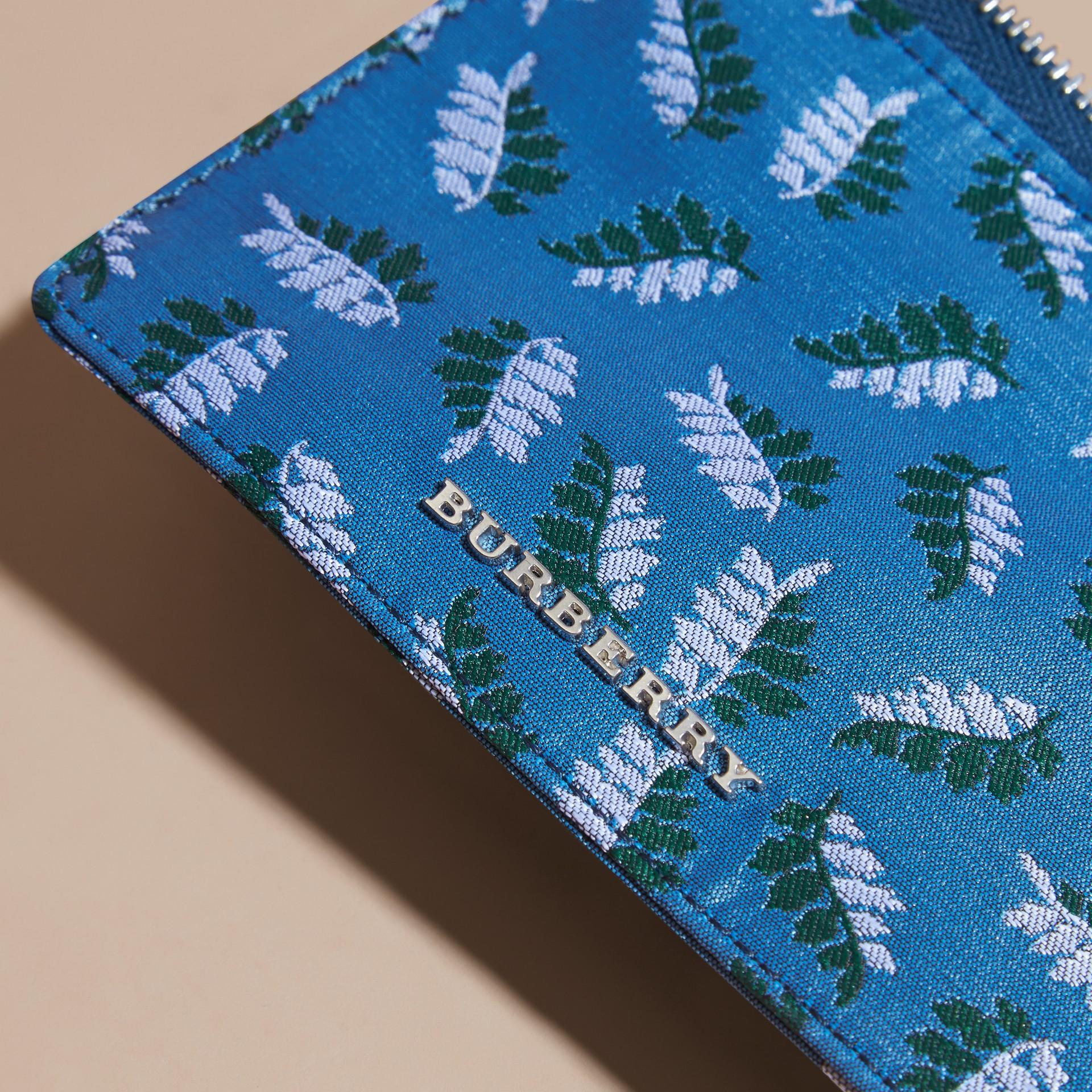 Bleu azur intense Portefeuille en jacquard à motif feuillage avec zip supérieur Bleu Azur Intense - photo de la galerie 2