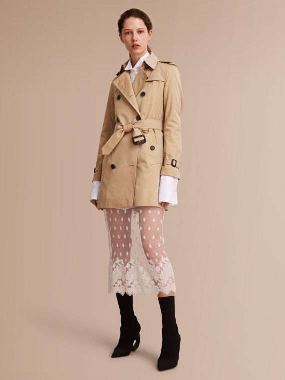 The Kensington – Mid-Length Heritage Trench Coat in Honey - Women | Burberry Singapore