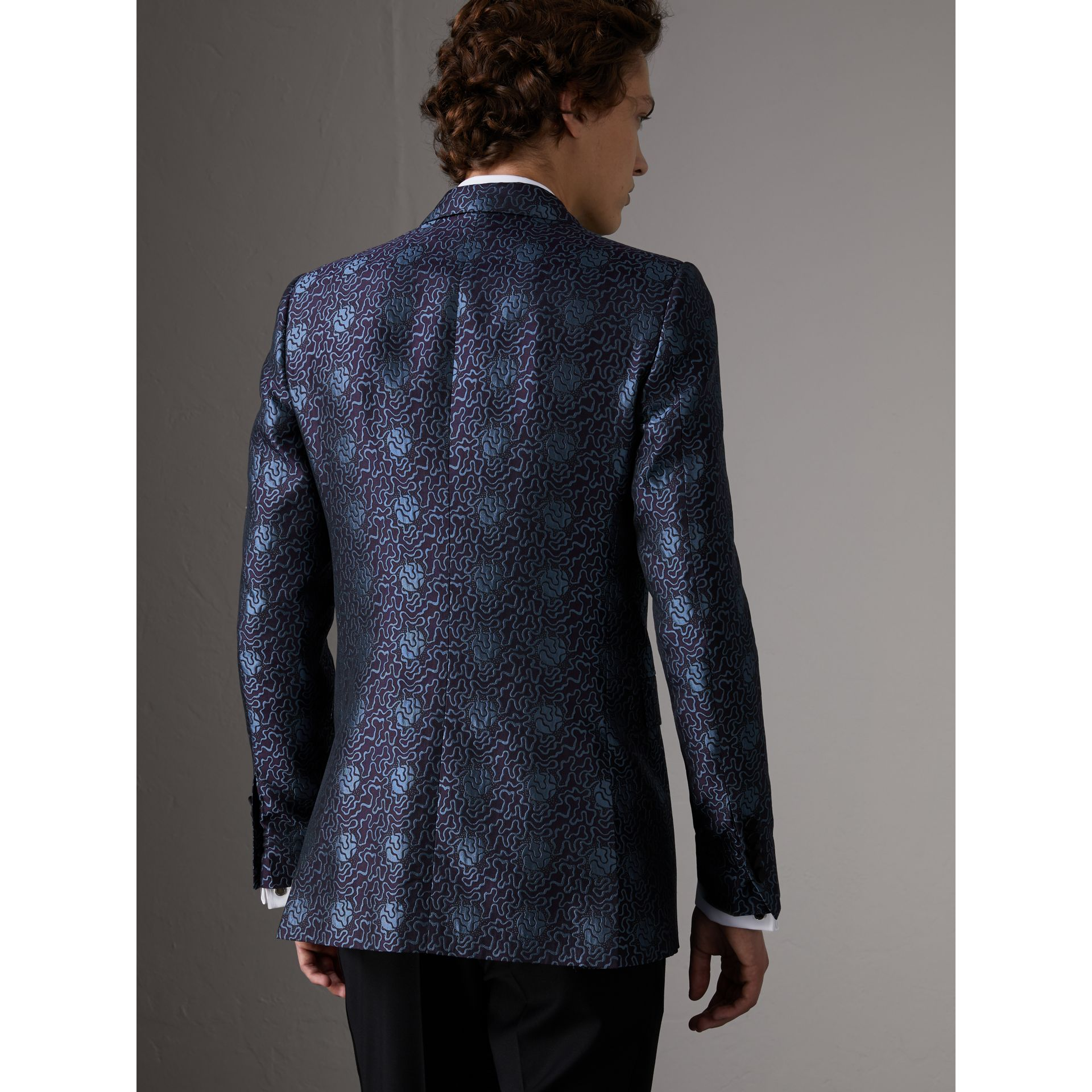 Slim Fit Swirl Silk Cotton Jacquard Evening Jacket in Steel Blue - Men | Burberry United Kingdom - gallery image 2