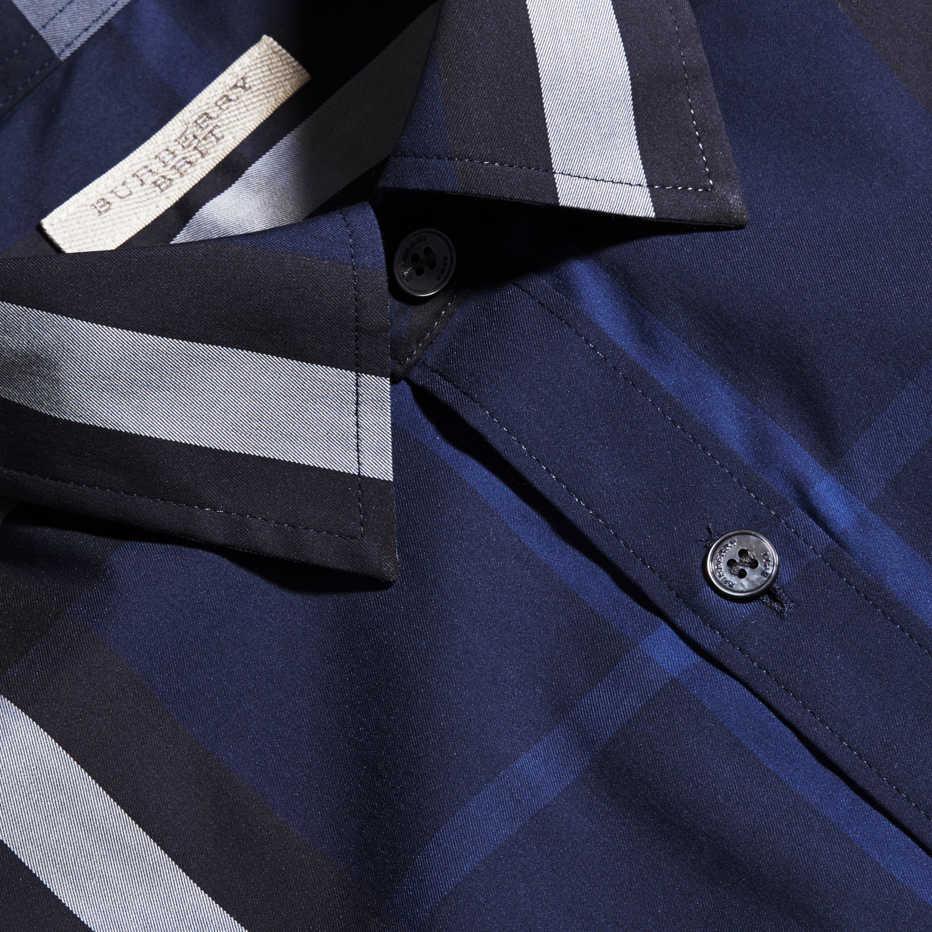 Short-sleeved Check Stretch Cotton Shirt in Indigo Blue - Men | Burberry Canada - gallery image 2