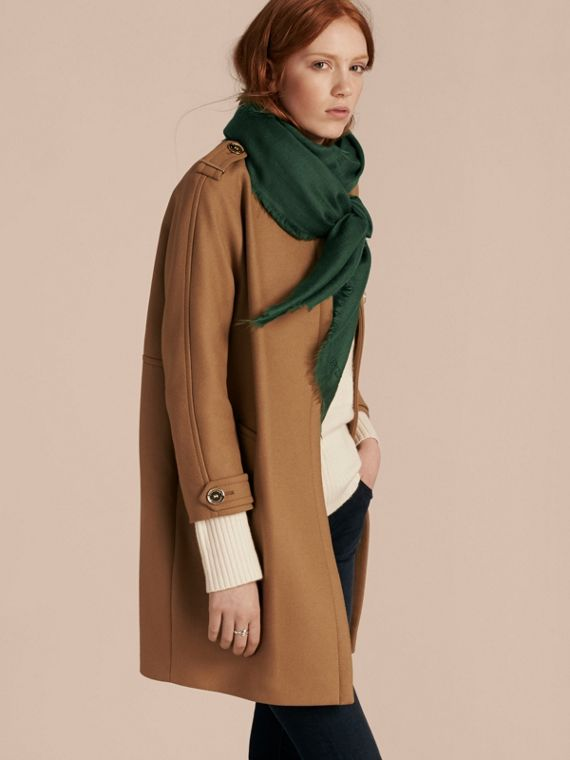 The Lightweight Cashmere Scarf in Dark Forest Green - cell image 2