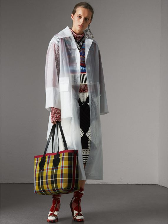 Borsa tote The Giant media double face in cotone con motivo tartan (Caramello/giallo Lino) | Burberry - cell image 2