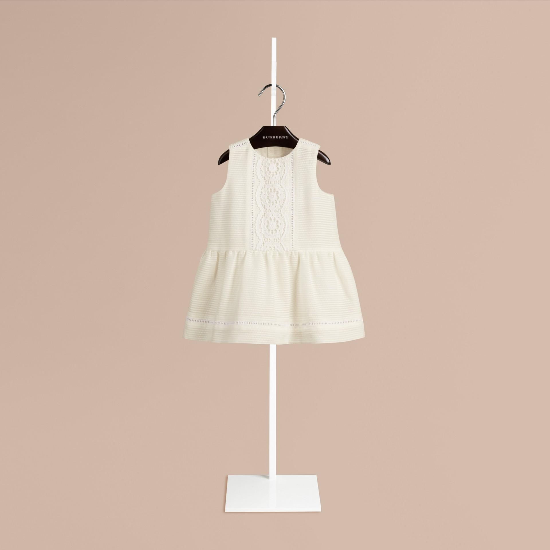 ホワイト オープンステッチディテール・コットンシルク・ドレス - ギャラリーイメージ 1