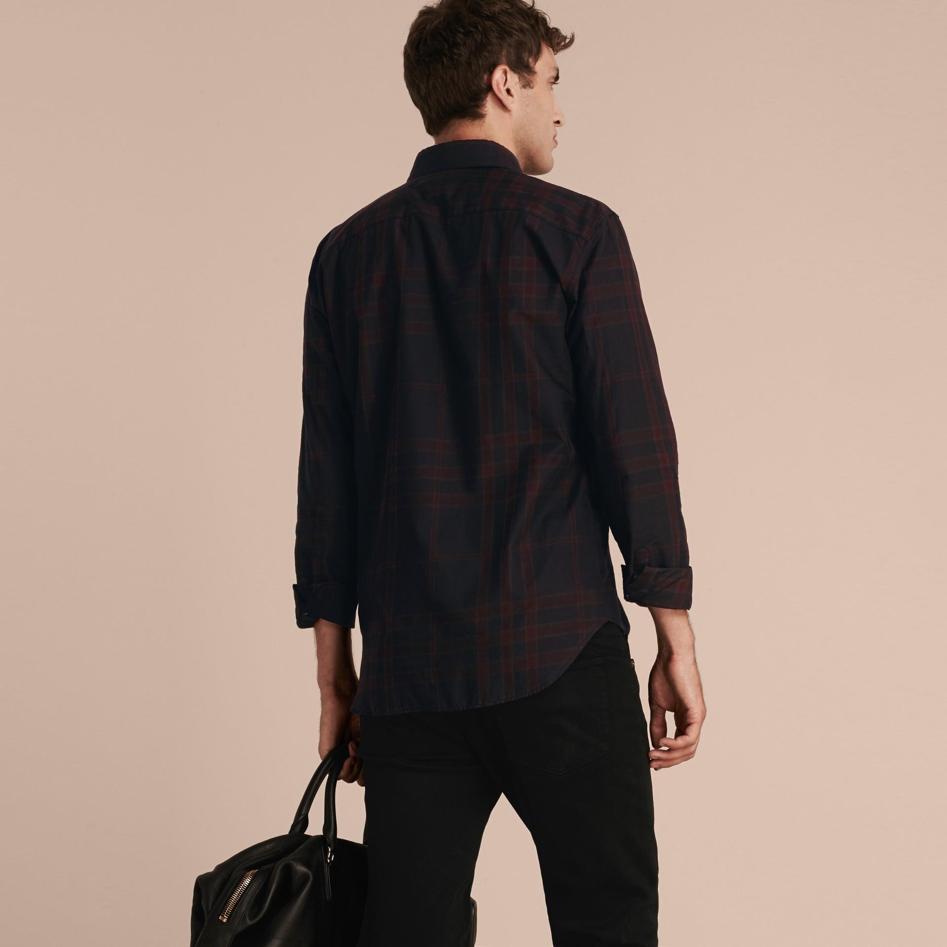 Baie de sureau sombre Chemise en coton à motif check Baie De Sureau Sombre - photo de la galerie 3