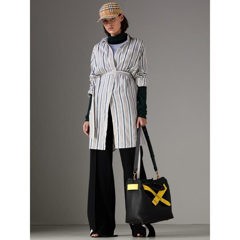 Burberry - The Medium Leather Belt Bag - 3