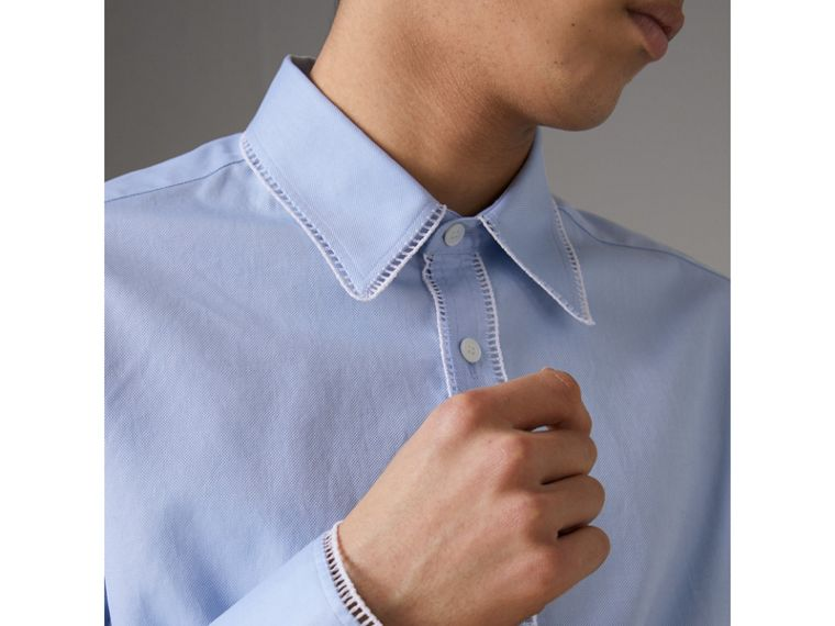 Embroidered Trim Cotton Oxford Shirt in Mid Blue - Men | Burberry - cell image 4