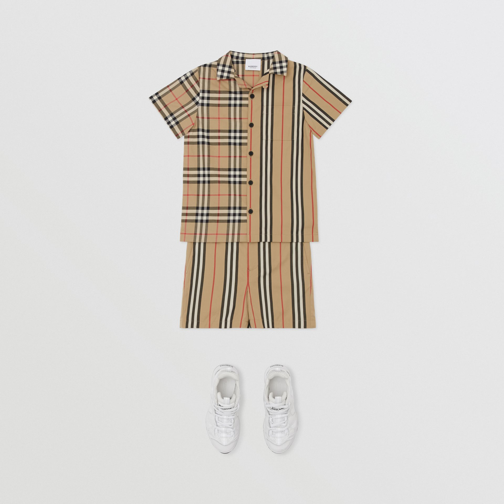 Short-sleeve Vintage Check and Icon Stripe Shirt in Archive Beige | Burberry Australia - gallery image 2