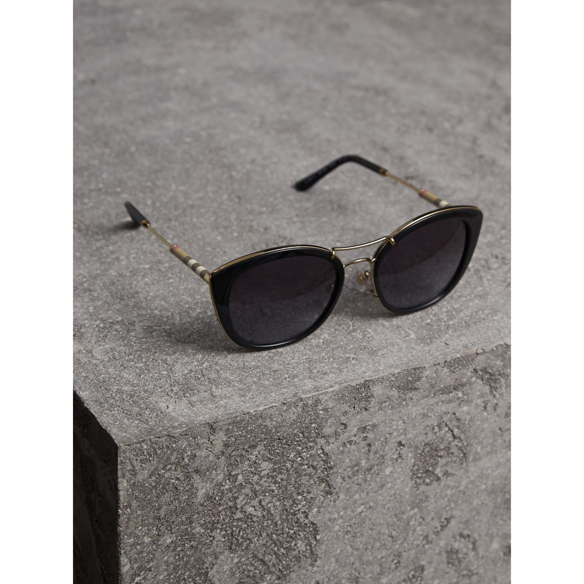 Check Detail Round Frame Sunglasses in Black - Women | Burberry Canada - gallery image 2