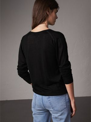 Pintuck Detail Cashmere V-neck Sweater in Black - Women   Burberry ...