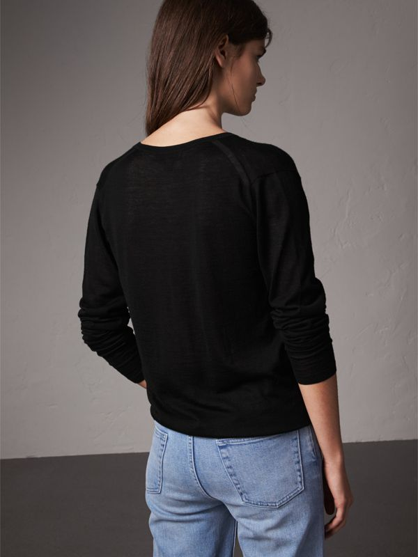 Pintuck Detail Cashmere V-neck Sweater in Black - Women | Burberry United Kingdom - cell image 2