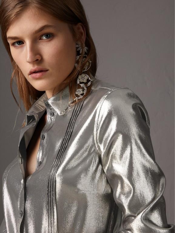 Camicia in seta e lamé con plissettatura (Argento) - Donna | Burberry - cell image 1
