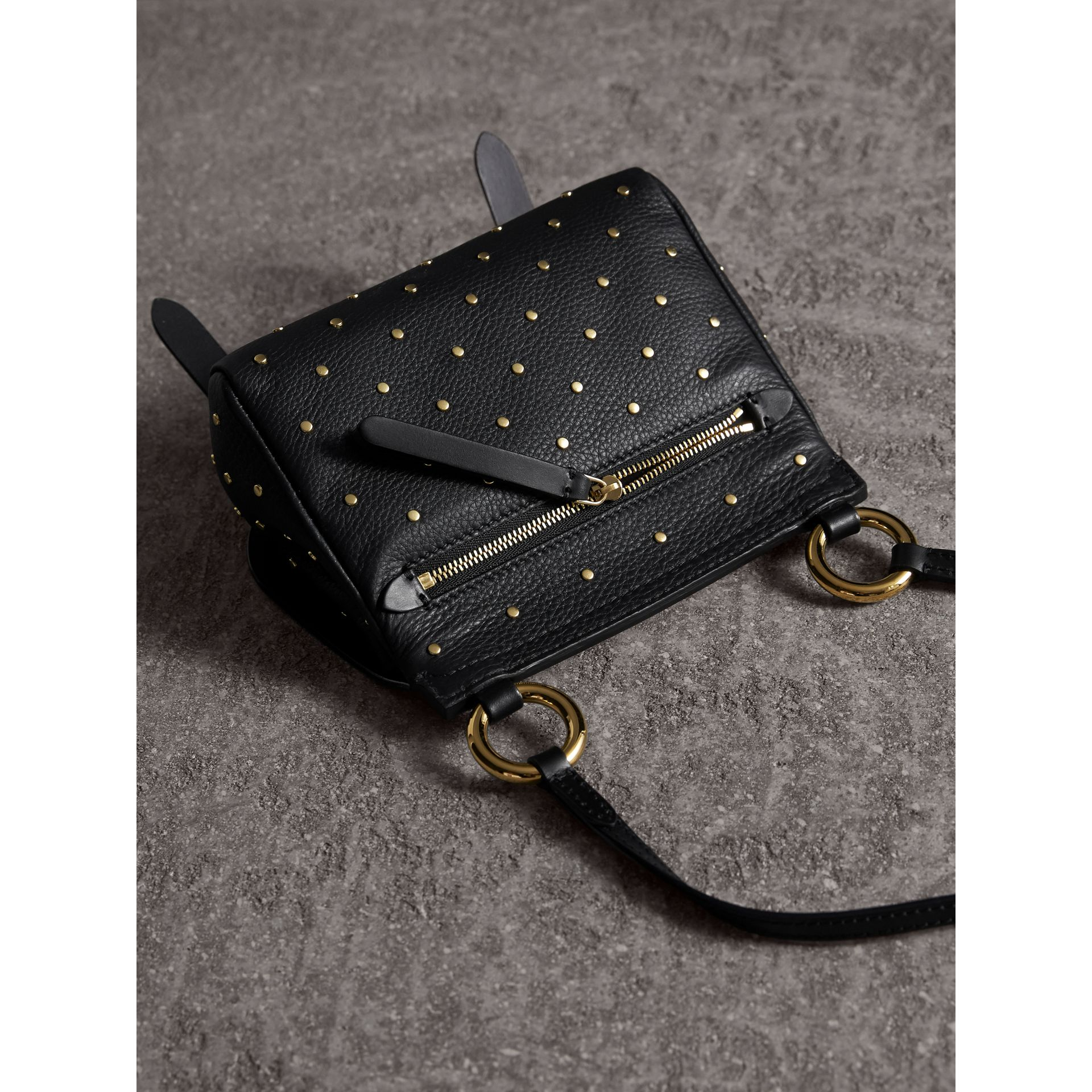 Sac The Baby Bridle en cuir à rivets (Noir) - Femme | Burberry - photo de la galerie 4