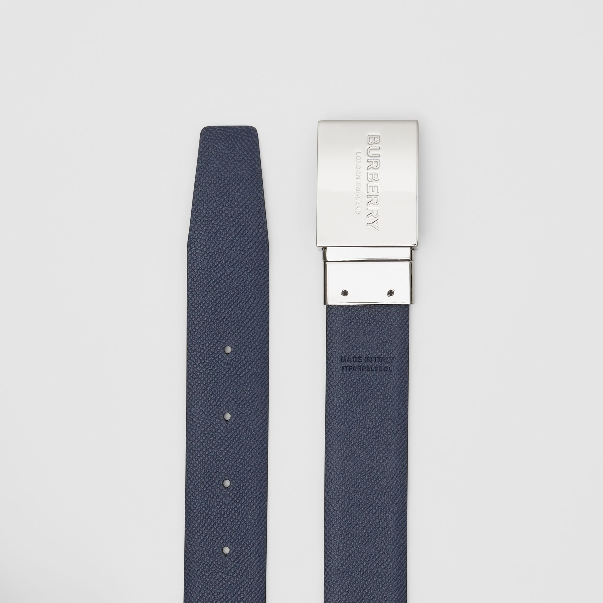 Reversible Plaque Buckle Grainy Leather Belt in Black/navy - Men | Burberry - gallery image 8