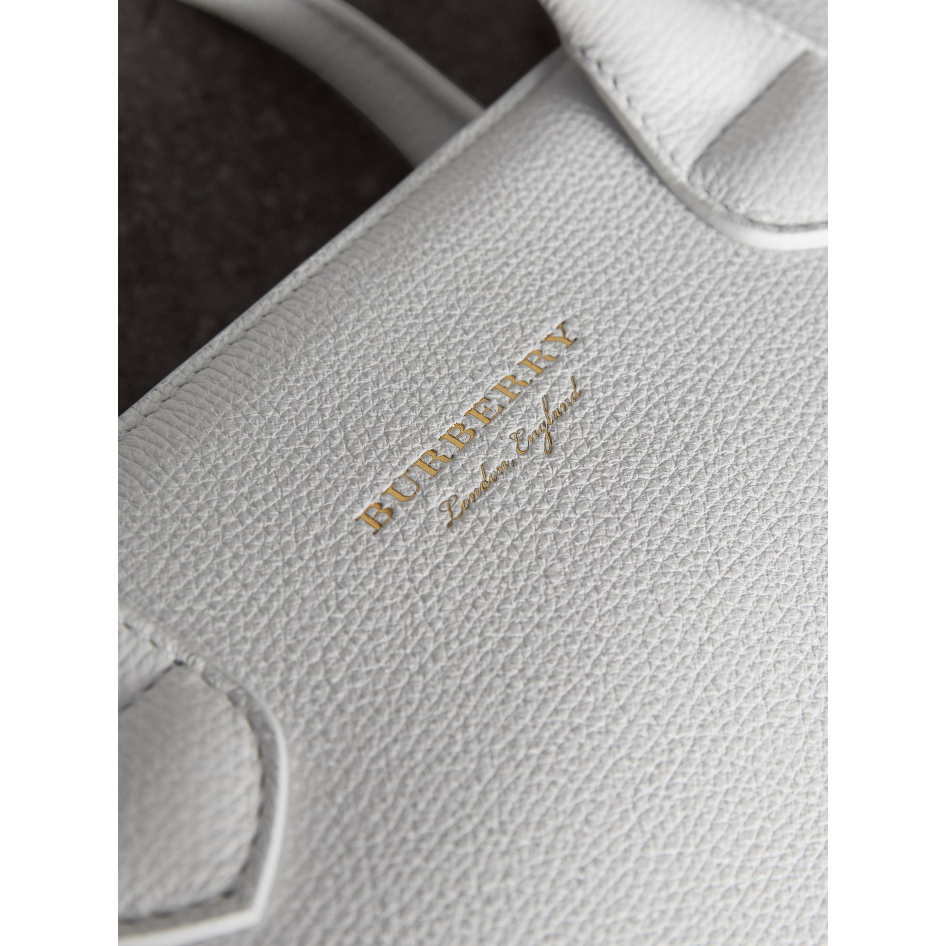 The Medium Banner with Brogue Detail in Chalk White - Women | Burberry United Kingdom - gallery image 7