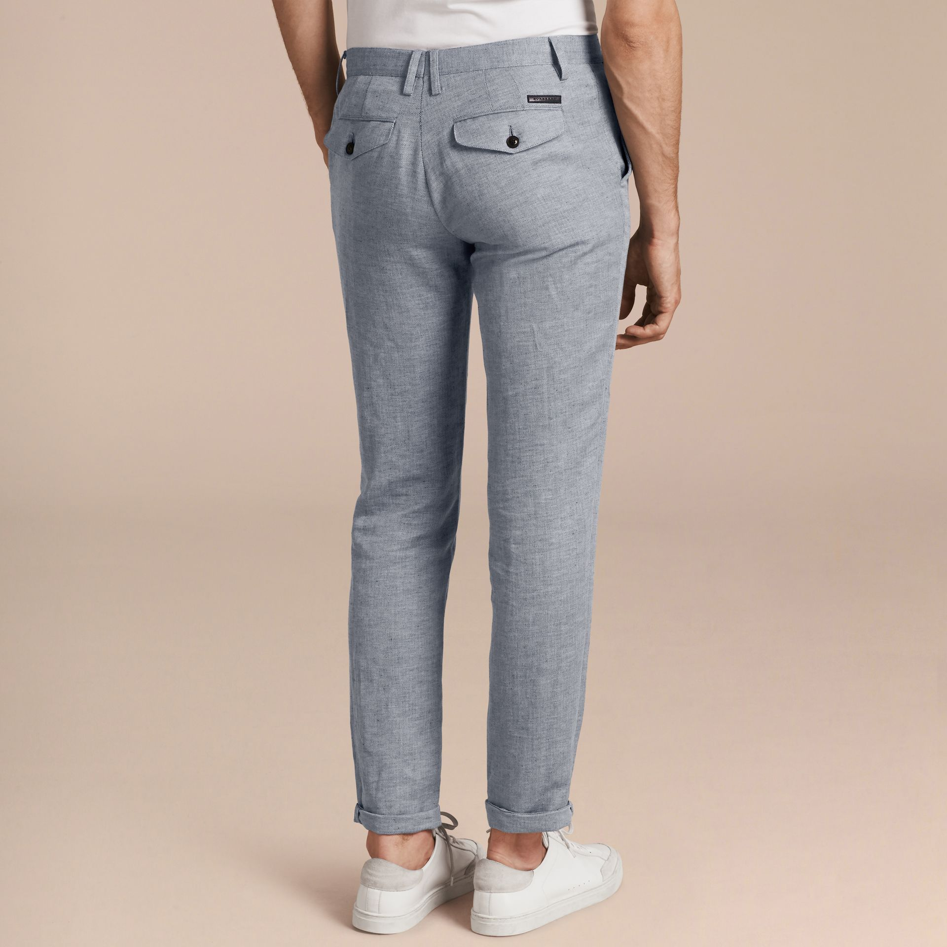 Azul pálido Pantalones chinos en algodón y lino Azul Pálido - imagen de la galería 3