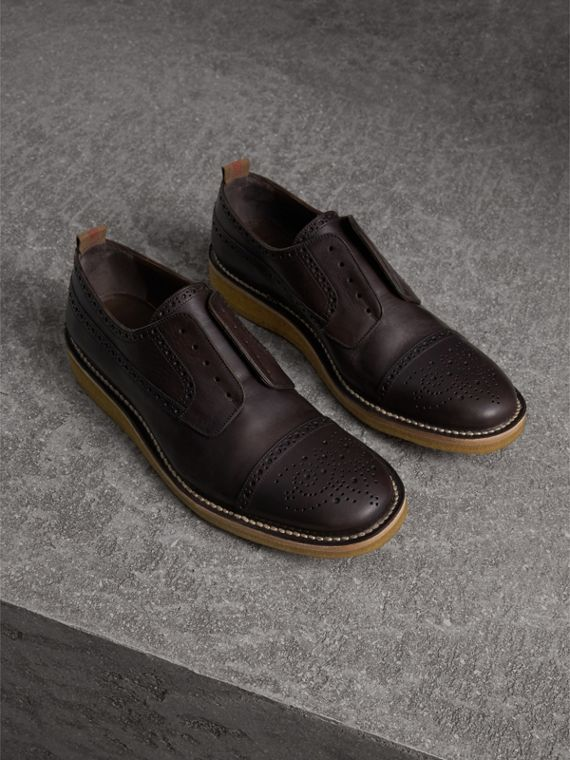 Raised Toe-cap Leather Brogues in Ebony