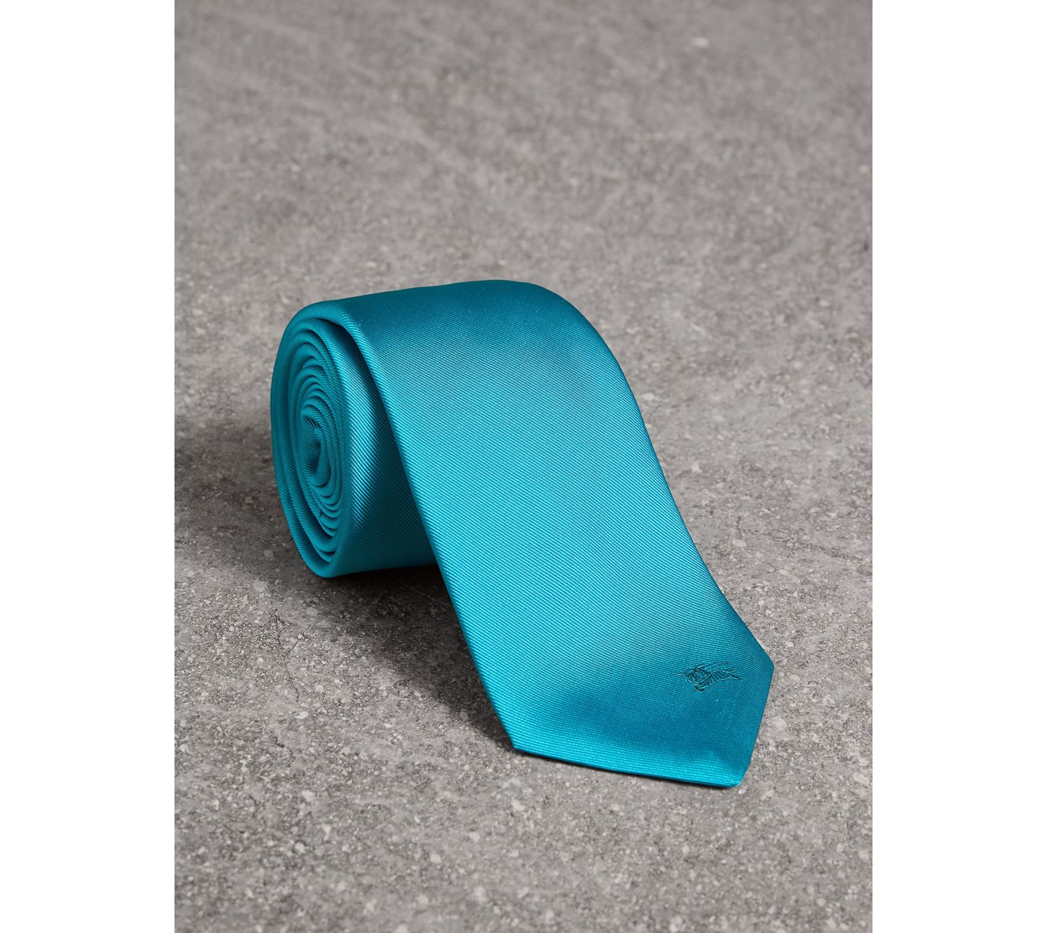 Modern Cut Silk Tie in Bright Aqua