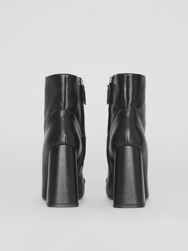 Bottines en cuir avec bride cloutée (Noir) - Femme | Burberry - cell image 3