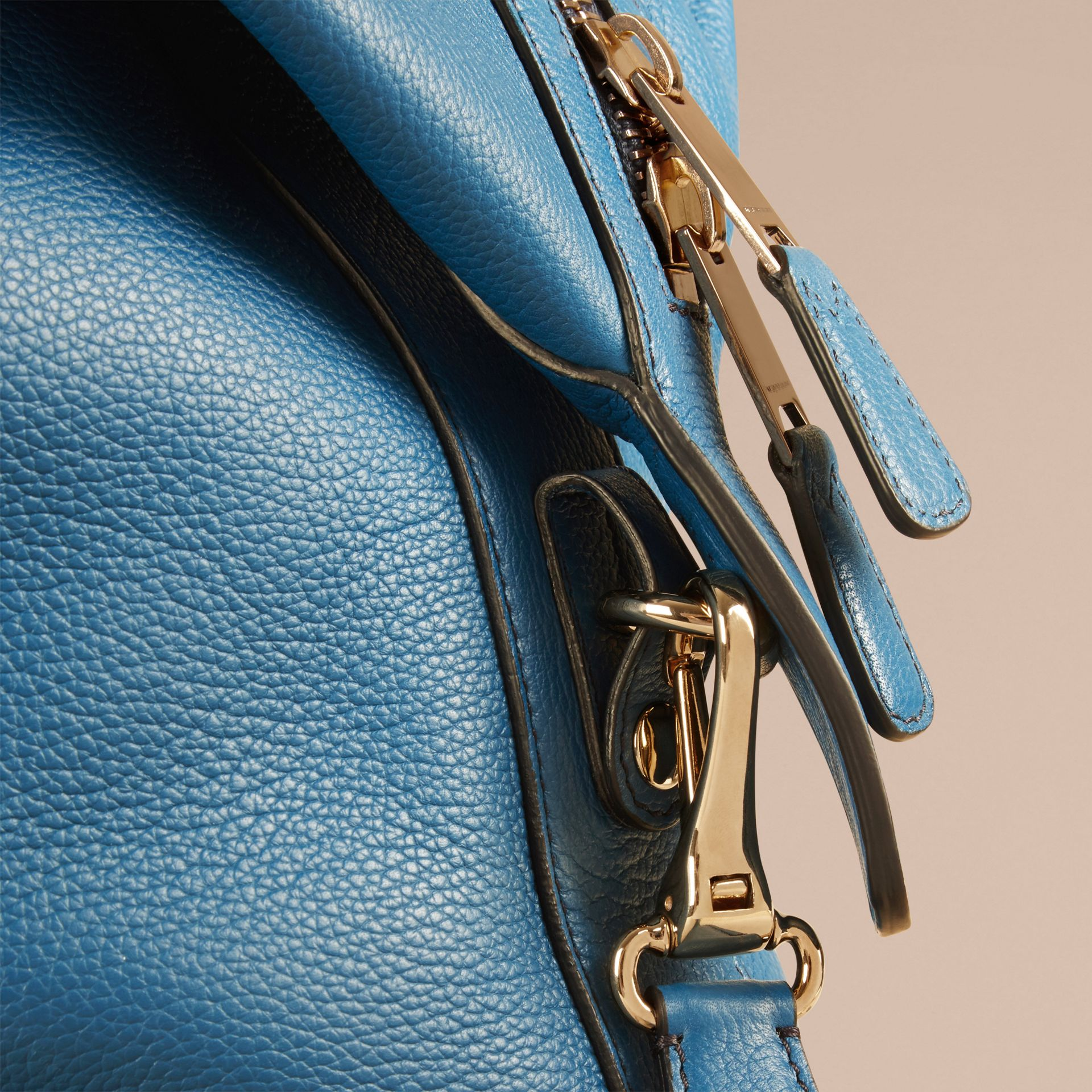 Mineral blue Grainy Leather Holdall Mineral Blue - gallery image 2