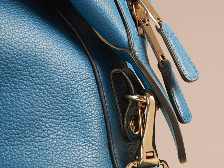 Mineral blue Grainy Leather Holdall Mineral Blue - cell image 1