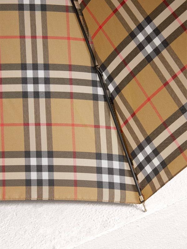 Vintage Check Walking Umbrella in Antique Yellow | Burberry - cell image 3