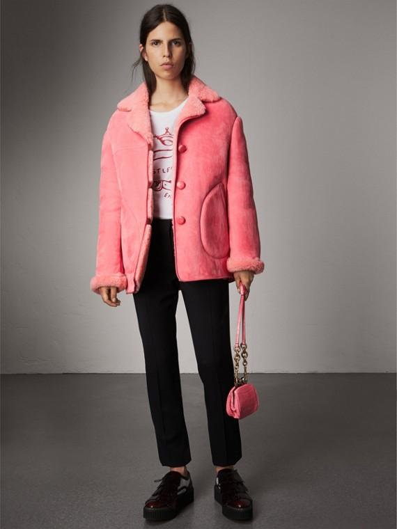 Объемная куртка с отделкой из кожи и овчины (Медно-розовый)
