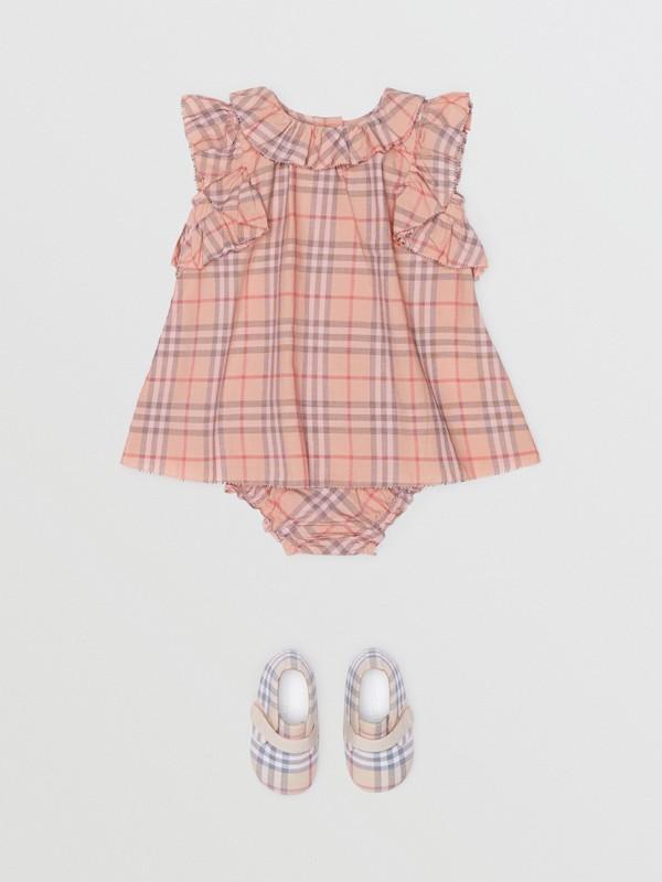 Vestido en algodón a cuadros con detalles avolantados y culottes (Rosa Claro) - Niños | Burberry - cell image 2